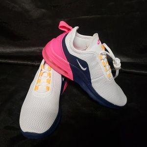 NWOT Nike Air Max Motion 2 Women's Sneakers